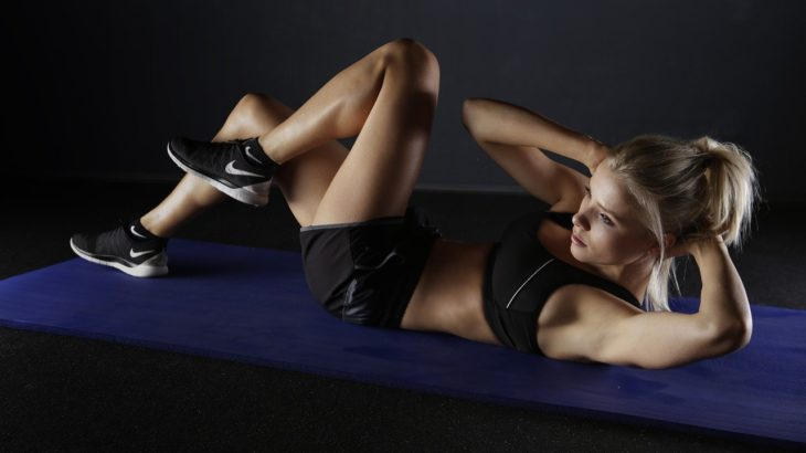 腹筋も腕も背中も全部鍛えられるダンベルについて