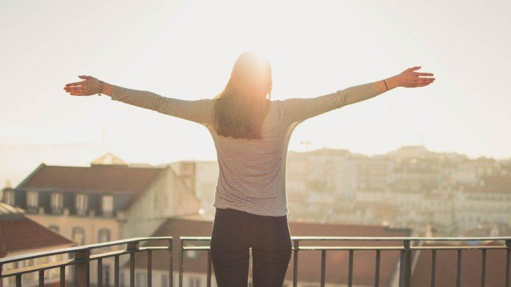 毎朝気持ちよく起きる方法について【早起きが辛い方必見!】